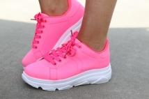 sneaker fushia