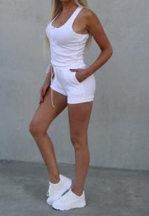 short&top white