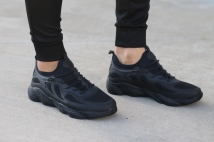 sneacker black